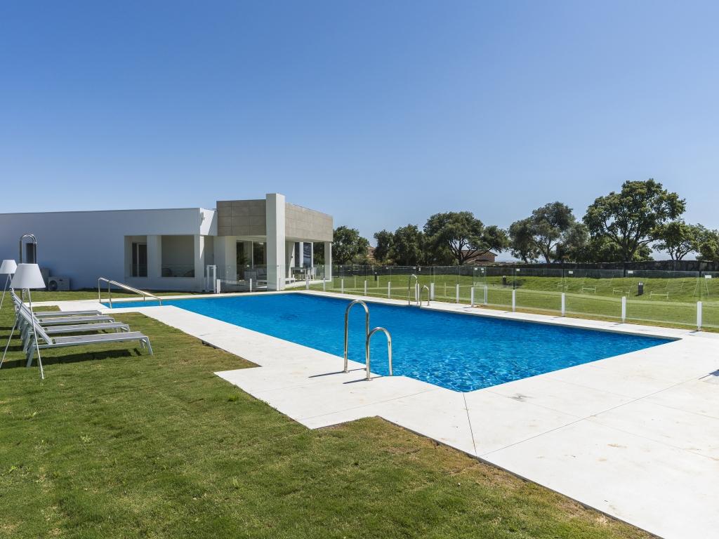A10-apartments-San Roque-Terrace-pool