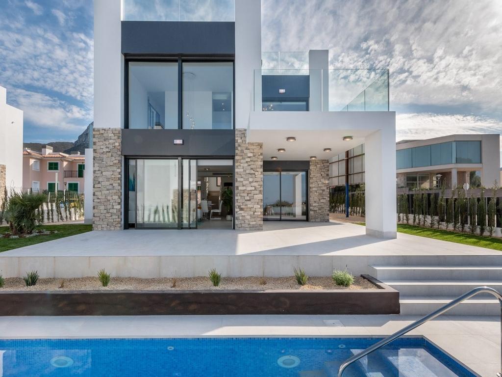 Villa exterior 2